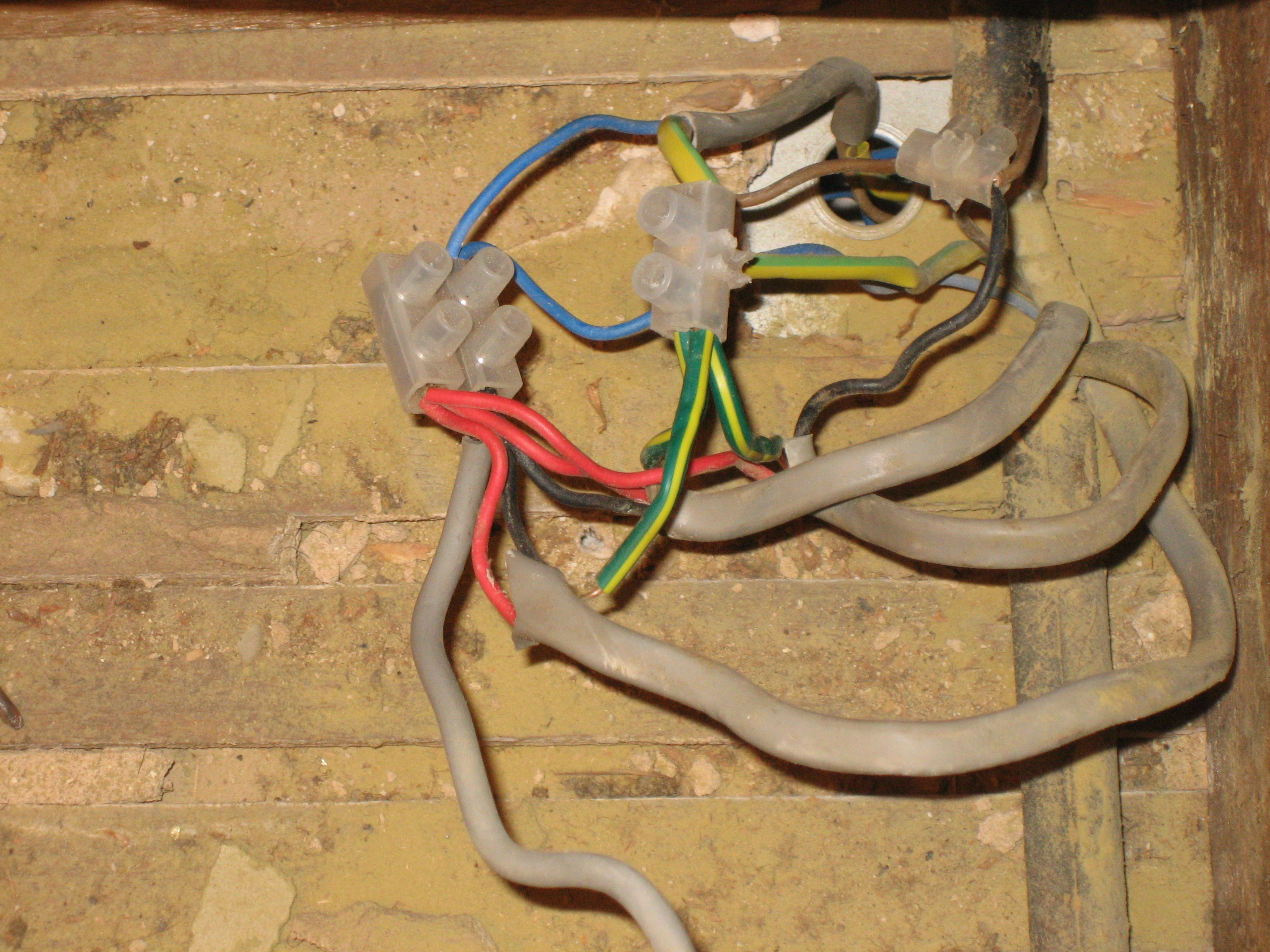 How-much-to-rewire-a-house-uk-8