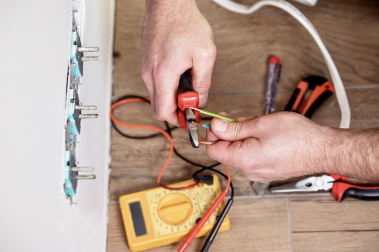 Electrician Wakefield 0113 3909670 A